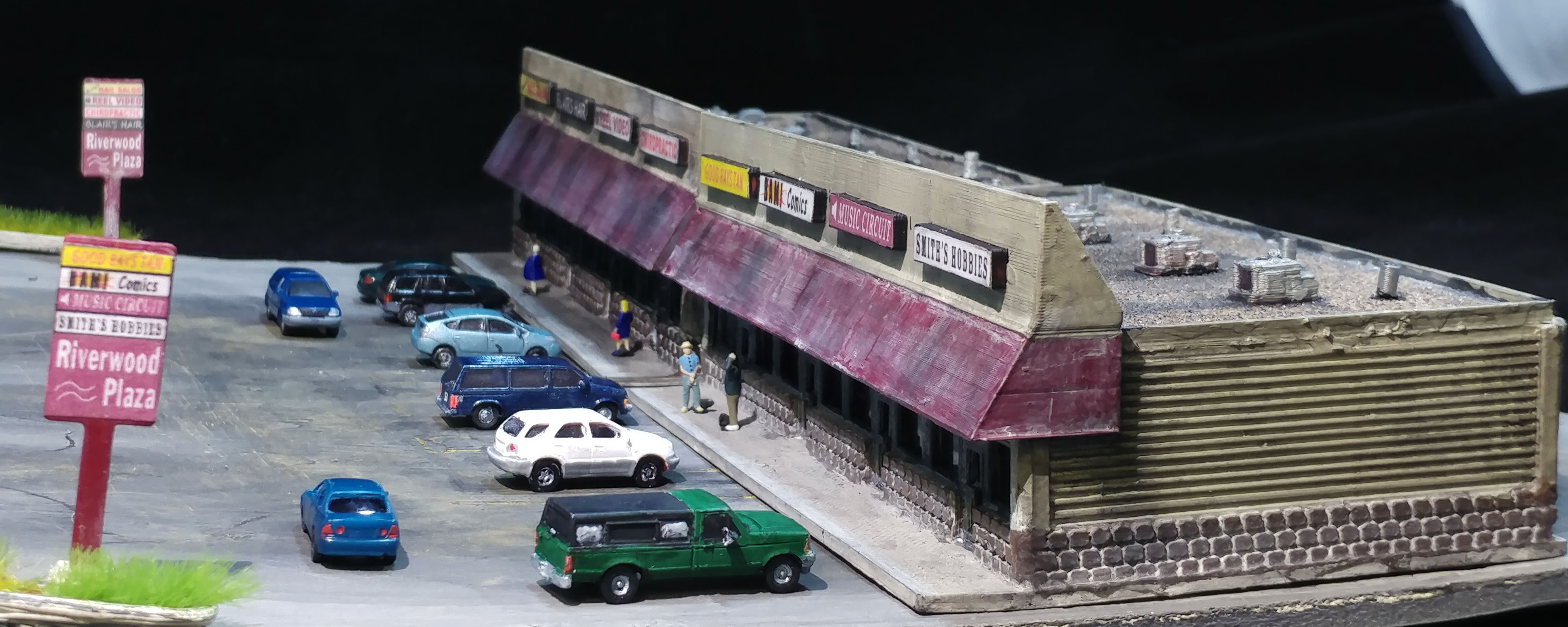Photo of the Lyforms Small-Scale n scale modern era strip mall building kit!